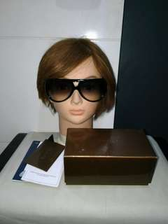 New Authentic Gucci studded Sunglasses