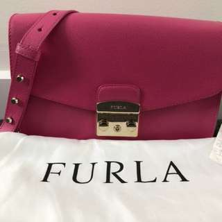 Furla Metropolis Shoulder Bag hot pink fuchsia
