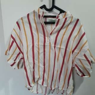 Semi crop blouse size S