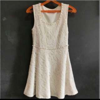 BN Pretty Lace And Pearl Dress