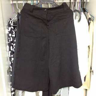 Giordano Ladies black culottes 裙褲