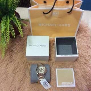 authentic Michael kors pawnable watch!SALE!!!!!