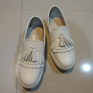 Dobe 流蘇小白鞋