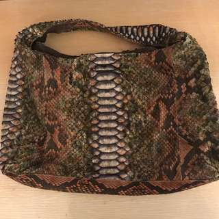 Genuine Snake skin leather handbag 全新 中環訂造 可上膊,放A4