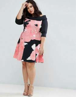 Online Sale: P380 only !!!  💋Off Shoulder Plus Size Floral Dress 💫Blend cotton, thick stretch  💫Full 3D print  💫Fold-over off shoulder  💫Free size fits up to XXL 💫Single color  💫Good quality