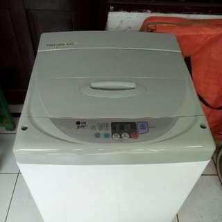 Mesin cuci 1 tabung merk LG