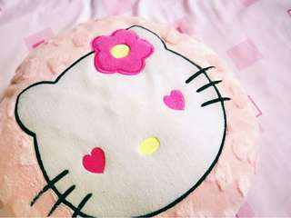 Boneka bantal hello kitty pinky