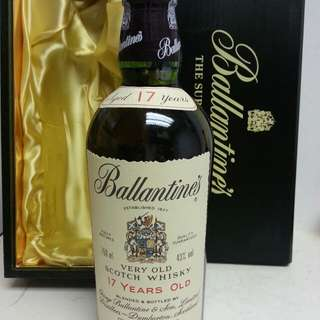 Ballantines 17 Years Old Whisky 百靈壇17年蘇威木盒 750ml