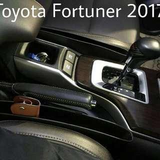 Kantong penyimpanan mobil