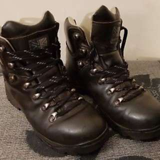 UK Karrimor Women Walking/Hiking Boots
