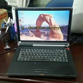 Laptop Lenovo 3000 ram 2GB vga 1GB invidia geforce