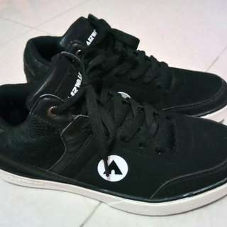 Airwalk Huge Black Original