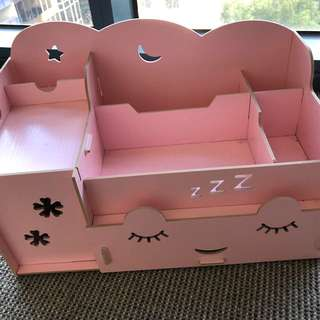 Cute pink Container for makeup, jewellery and small stuff