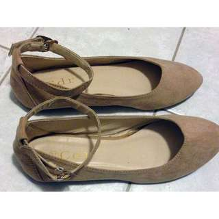 Women's Nude Suede Ankle Strap Flats with Easy hook clasp & snap [SIZE 6]