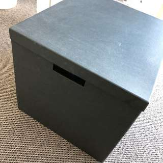 Boxes $1.5 with lid, $1 without lid