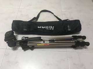 Nikon bag + canon  Camera Tripod