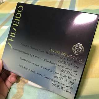 Shiseido Future Solution LX miniature