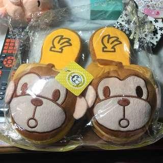 🚚 激推‼️全新 日本EMNONO猴子可愛造型絨毛拖鞋 居家拖鞋 保暖拖鞋