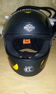 Harley Rider selling FullFace Helmet.