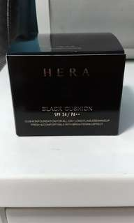 Hera Black Cushion Shade 15 refill