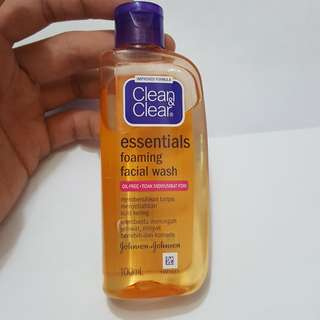 Clean and clear essential facial wash