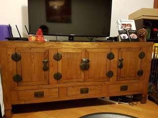 Must go this week! 高級古典木材電視櫃。Prestige antique woodern TV cabinet for sale