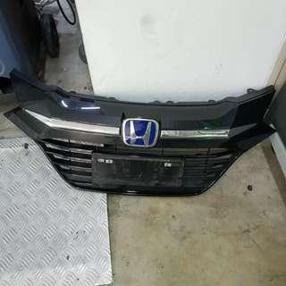 Honda Vezel front grille