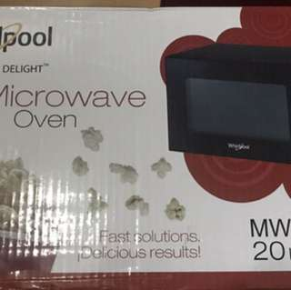 Whirlpool Microwave oven
