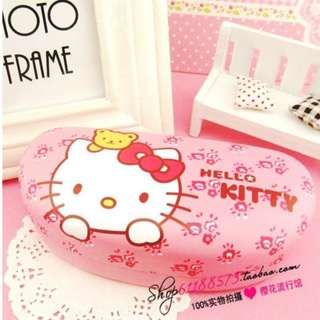 🔥CLEARANCE🔥 BRAND NEW !  Hello Kitty  Spectacles Box !