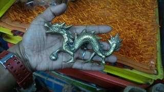 Patung naga tembaga padu asli