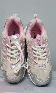 Boardwalk running shoes