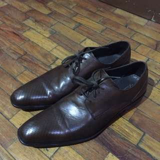 Kenneth Cole dress shoes brown