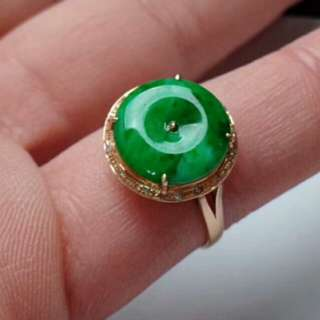🍀18K Gold - Grade A Spicy Green Coin/平安扣 Jadeite Jade Ring🍀