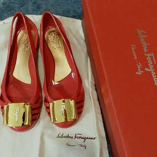 Ferragamo shoe size 5( Fit for 35-36)