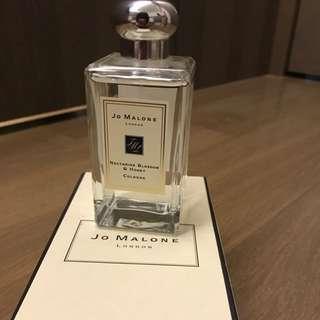 🚚 Jo Malone 杏桃花與蜂蜜香水(Nectarine Blossom & Honey