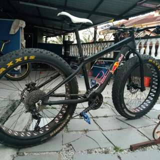 LOOKING FOR FATBIKE DELIVER TO MALAYSIS