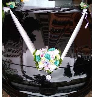 DIY Wedding car decor