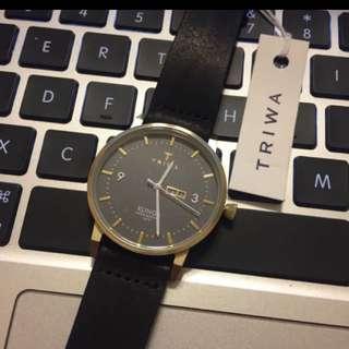 瑞典品牌-Triwa黑色皮帶手錶
