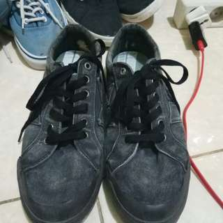 Macbeth Eliot Premium Black/Marine Overdye Canvas