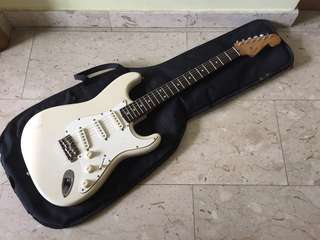 Squier Stratocaster by Fender Made in Japan Vintage Olympic White Cream Electric Guitar Natural Aged Relic Strat