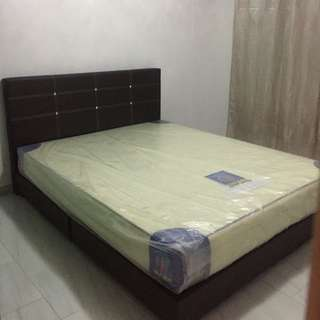No owner - Bukit Batok West Ave 4 - Room rental with a/c - Common Bedroom