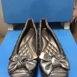 🚚 銀色格紋蝴蝶結娃娃鞋