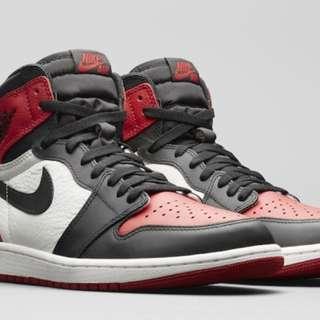(US 9.5) Air Jordan 1 bred toes