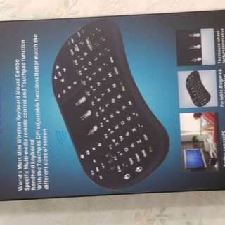 Philips mini wireless keyboard mouse combo