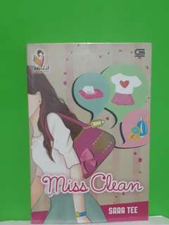 "Novel ""Miss Cleann ~ sara tee"""