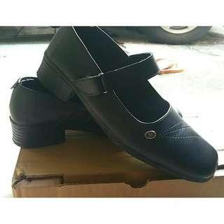 Sepatu fantofel paskib/ospek