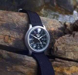 Seiko 尼龍自動機械錶