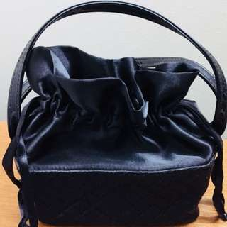 Cosmetics bag -black