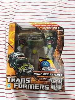 Transformers Autobot Ratchet Voyager Class
