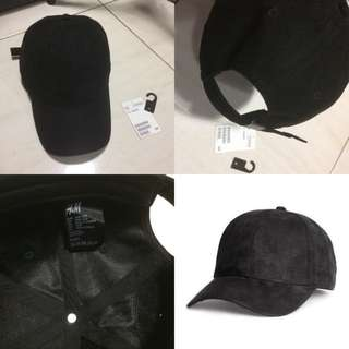 H&M caps suede black